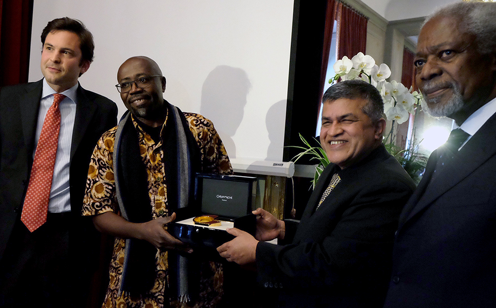 Zunar and Gado Win Cartooning for Peace Prize