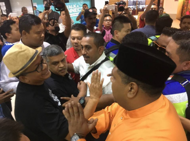 Zunar Faces New Sedition Charge After Mob Disrupts Cartoon Exhibit